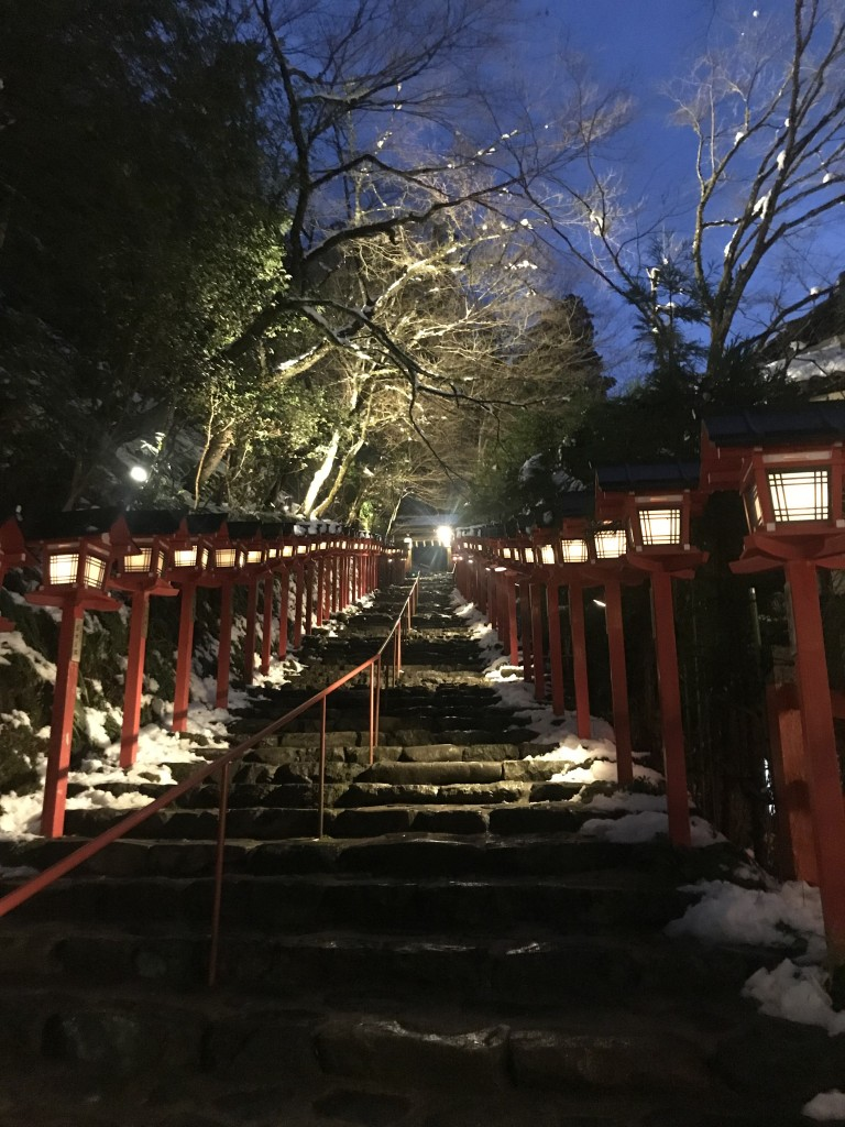 雪化粧の京都:貴船神社